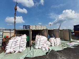 """Điều hành xuất khẩu gạo: Bộ Công Thương """"dồn"""" Hải quan vào thế khó?"""