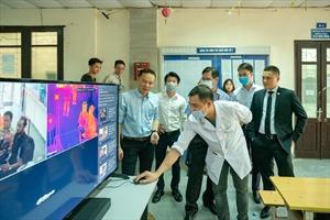 Thương hiệu Dahua tài trợ máy đo thân nhiệt hồng ngoại cho 2 trường Đại học
