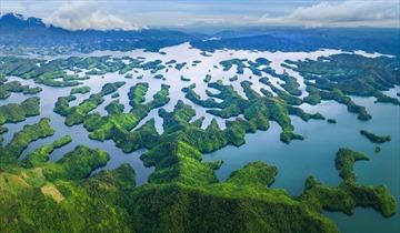 """Tuyệt tác hồ Tà Đùng, """"vịnh Hạ Long"""" thu nhỏ giữa núi rừng Tây Nguyên"""