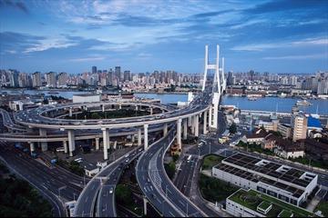"""""""Không kết nối hạ tầng, bức tranh kinh tế Việt Nam bị chia cắt thành từng mảnh"""""""
