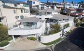 Bên trong căn nhà tỷ phú Warren Buffett rao bán 11 triệu USD