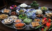 Bát cơm không trên mâm và tục lệ của người Việt