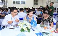 Gần 100 khách hàng đặt cọc ngay tại lễ mở bán căn hộ EcoHome 3