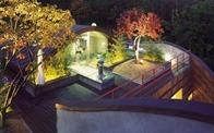 Ngôi nhà có sân vườn trên mái đẹp lãng mạn như trong phim Hàn Quốc