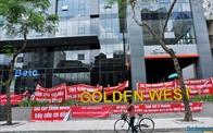"""Bức xúc đến đỉnh điểm, cư dân chung cư Golden West """"vùng dậy"""" đòi quyền lợi"""