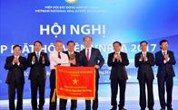 Hiệp hội BĐS Việt Nam vinh dự nhận cờ thi đua của Chính phủ