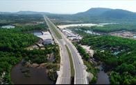 """Bất động sản Phú Quốc: Từ """"cơn bão"""" lên đặc khu đến tạm dừng lập quy hoạch"""