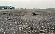 Đề nghị bố trí vốn ngân sách cải tạo đường băng sân bay Tân Sơn Nhất và Nội Bài