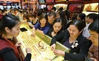 Giá vàng giảm trong ngày vía Thần tài, tỷ giá tăng mạnh