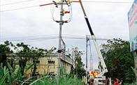 EVNHANOI ứng dụng công nghệ sửa chữa điện nóng hotline