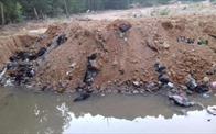 Phát hiện rác thải chôn trái phép nghi là rác từ vụ cháy chợ ở Thanh Hóa