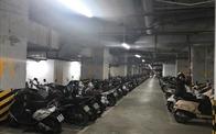 """Cấm để xe dưới hầm chung cư, Hà Nội, TP.HCM sẽ """"vỡ trận"""" bãi gửi xe?"""