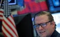 Dow Jones gần như mất hết thành quả trong nhiệm kỳ của Trump