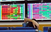 VN-Index giảm gần 12 điểm, nhiều cổ phiếu bất động sản vẫn tăng mạnh