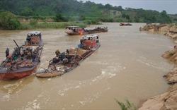 Hà Nội yêu cầu khẩn trương xử lý việc hút cát trái phép trên sông Hồng