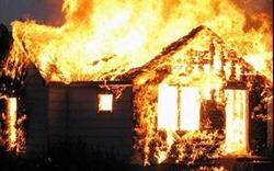 Cháy nhà ra... nhiều chuyện!