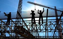 Lợi nhuận doanh nghiệp xây dựng tăng 43%, BĐS tụt lùi