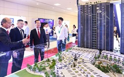 Khách quốc tế bị thu hút bởi bất động sản ứng dụng công nghệ 4.0 của Sunshine Group tại IREC 2018