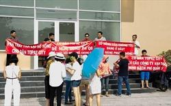 TP.HCM: 3.000 cư dân chung cư Topaz City khiếu nại đòi sổ hồng