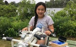 Cô bé lớp 6 chế tạo robot thu gom rác thải nhựa trên biển