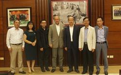 Chủ tịch VNREA Nguyễn Trần Nam tiếp đại diện Ngân hàng thế giới