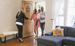 7 câu hỏi người bán nhà nên nói với người môi giới của mình