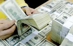 """Doanh nghiệp địa ốc phát hành trái phiếu: Cẩn trọng với """"cần câu"""" từ lãi suất"""