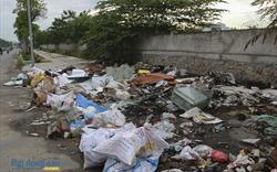 Rác thải tràn lan trên đại lộ 1.500 tỷ đồng ở Hà Nội