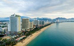 Resort real estate plunges
