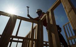 Giá nhà sụt giảm, người tiêu dùng Mỹ được lợi