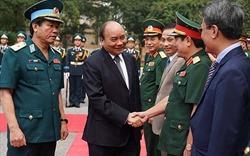 Thủ tướng thăm lực lượng nòng cốt bảo vệ không phận, mặt đất, biển đảo Tổ quốc