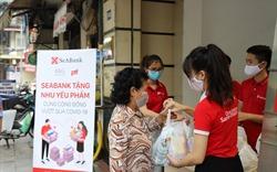 SeABank đã trao tặng hơn 16.000 suất quà tổng trị giá gần 1,4 tỷ đồng