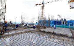 Hà Nội: Các công trình xây dựng có tiếp tục được thi công hay không?