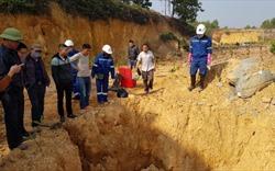"""Sóc Sơn: Người dân lo sợ chất thải """"lạ"""" chôn trộm đầu nguồn nước sinh hoạt"""