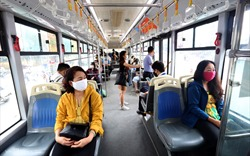 Giữa đại dịch, lan man nhớ xe buýt Hà Nội