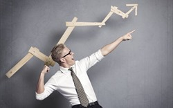 Tháng 4: Chứng khoán hồi phục, hàng loạt cổ phiếu vốn hóa lớn tăng hơn 30%
