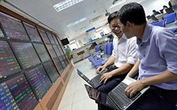 Cổ phiếu bất động sản đua nhau bứt phá, VN-Index tăng trở lại gần 7 điểm
