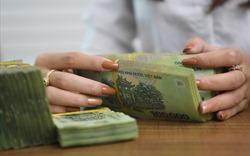 Lãi suất tiết kiệm đồng loạt giảm mạnh