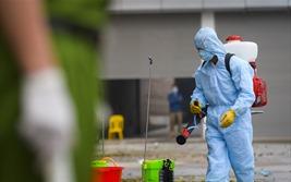 Cận cảnh khử trùng và cách ly hơn 10 nghìn người tại thôn Hạ Lôi