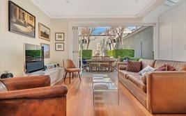 5 nguyên tắc đặt TV cỡ lớn trong phòng khách nhỏ khiến nhà thoáng rộng bất ngờ
