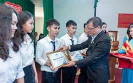 Novaland trao tặng học bổng trị giá 1 tỷ đồng cho sinh viên Bình Thuận