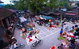 """Chợ Chuông: """"Vương quốc nón lá"""" đẹp nức tiếng đồng bằng Bắc Bộ"""