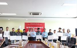 VNREA trao tiền hỗ trợ làm nhà đại đoàn kết tại Quảng Ninh
