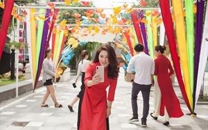 """Thấy cả trời xuân rộn ràng ở lễ hội """"Heo vàng gõ cửa"""" tại Sun World Danang Wonders"""
