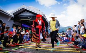 Khai thác văn hóa bản địa – cách làm du lịch khác biệt