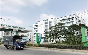 Long An has first high-rise factory cluster