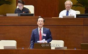 Bộ trưởng Phạm Hồng Hà trình bày trước Quốc hội về Dự án Luật Xây dựng sửa đổi