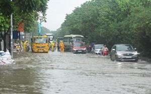 Nội thành Hà Nội còn 16 điểm ngập khi mưa lớn