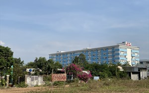 """Bất động sản 24h: Ngang nhiên vẽ dự án """"ma"""" ngay cạnh UBND huyện Bình Chánh"""