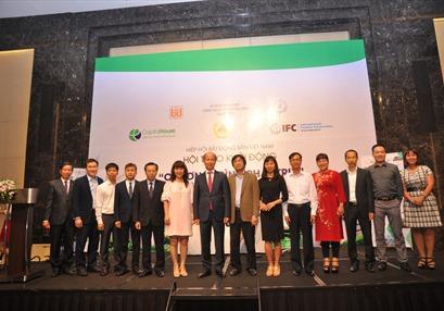 7 doanh nghiệp BĐS tiên phong ký cam kết tham gia chương trình phát triển Công trình Xanh